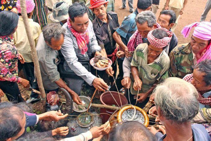 少数民族の代表者ら、農村部長を解雇の要請