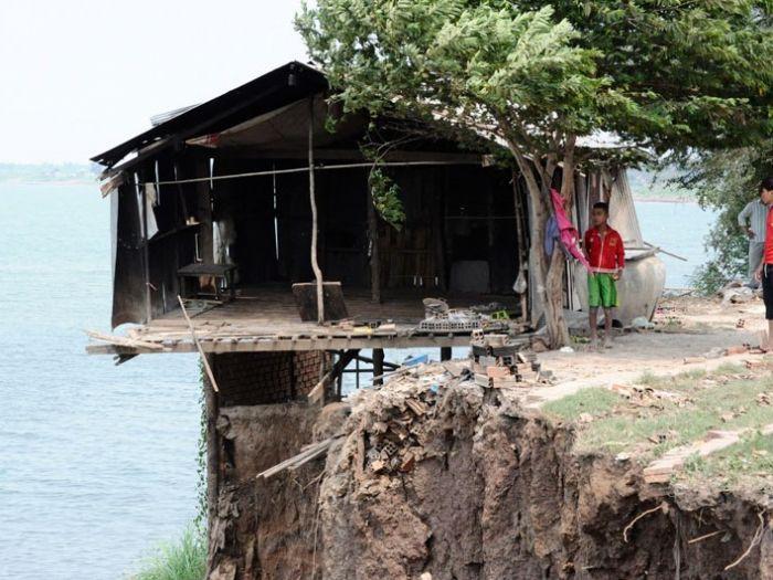 カンボジアでは5人に1人が1日1.25ドル以下で生活しています。