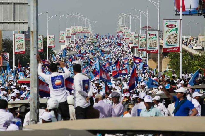 カンボジア、今回の選挙活動費用が倍増