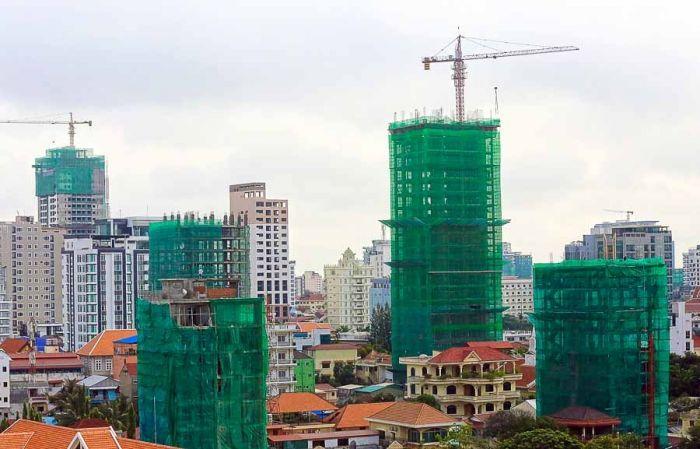 カンボジア、選挙への不安から投資額が暴落