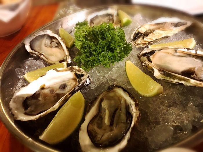 プノンペンで上質な生牡蠣が食べられるレストラン!【Sonoma Oyster Bar】