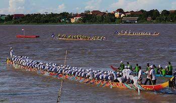 カンボジア最大のイベント、水祭りがいよいよ来月開催