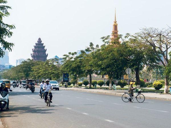 ベトナム、カンボジアへの渡航自粛喚起 国境での検査実施も
