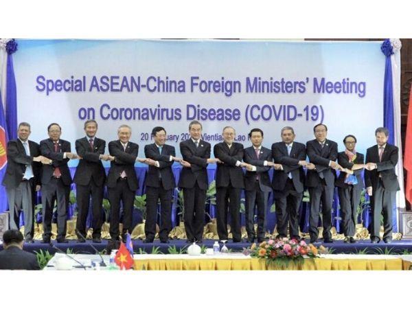 中国・ASEAN特別外相会議、新型肺炎対策で協力一致