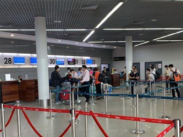 ベトナム:18日からビザ発給停止、カンボジアからも入国困難に