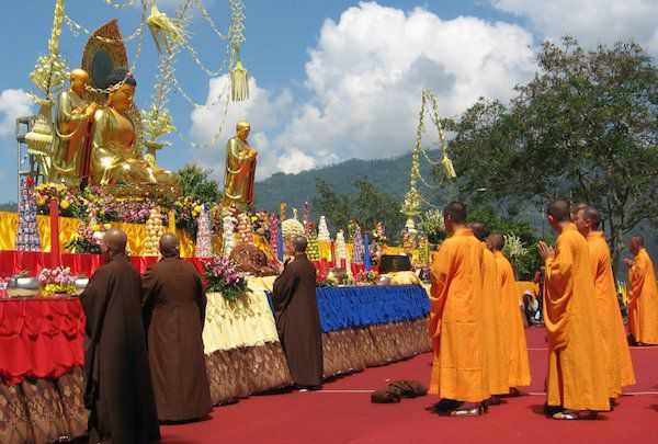 カンボジアのお盆「プチュンバン」って何?