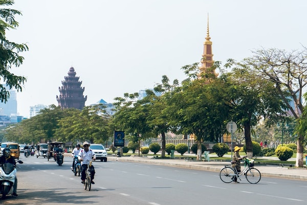カンボジア:2020年の経済成長率は2.5%に減速